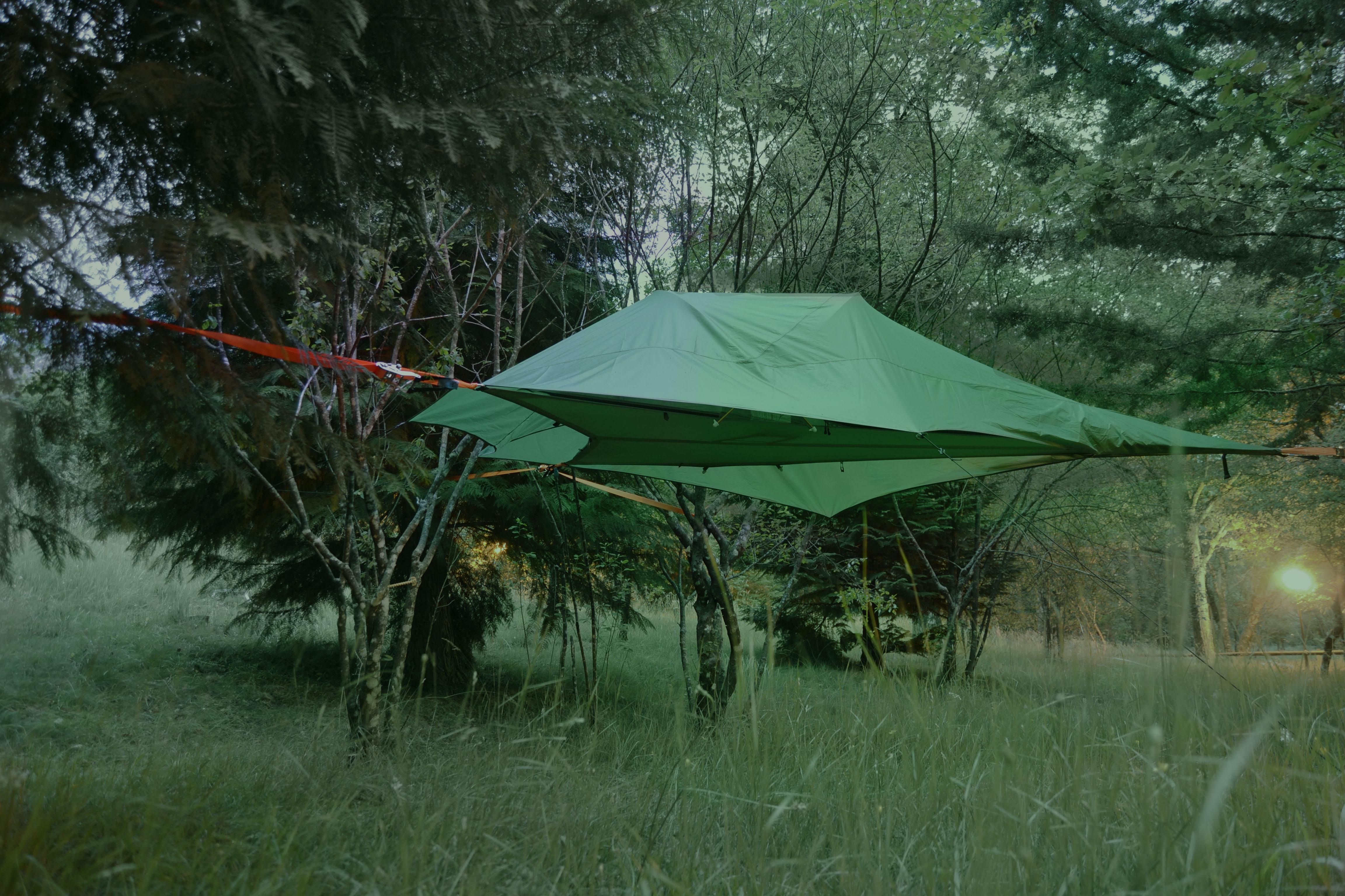 tenda nas arvores parque cerdeira
