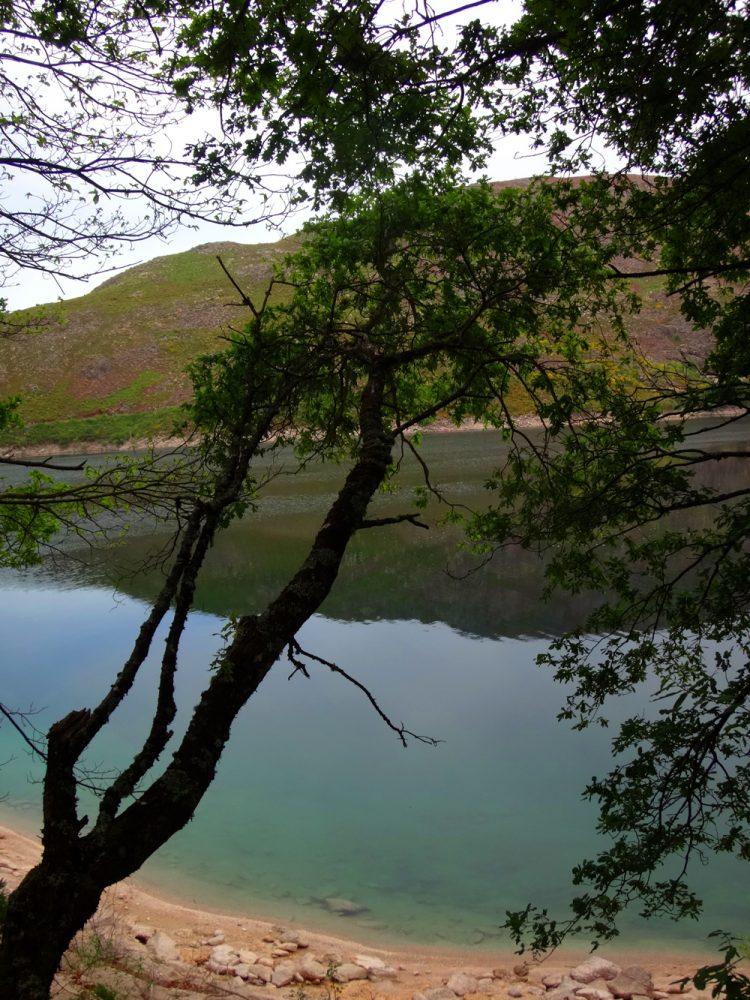 Praiinha - Pelas margens da albufeira da Vilarinho das Furnas
