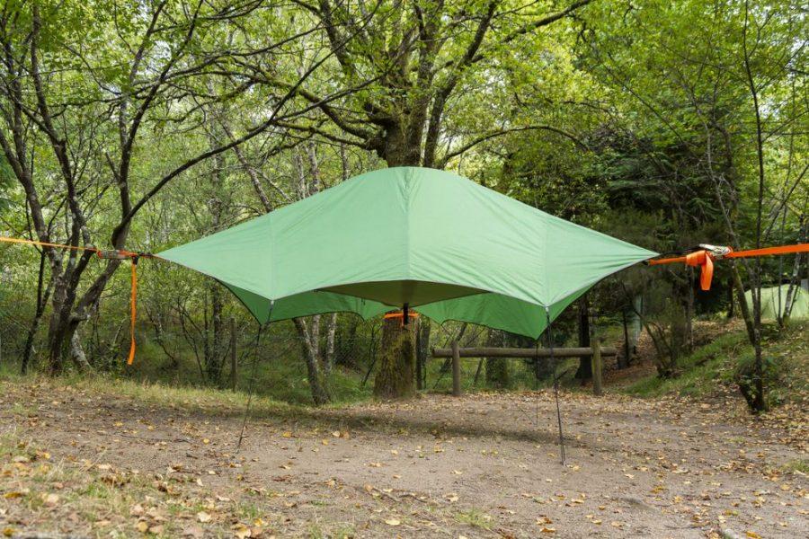 Tenda na árvore Parque Cerdeira