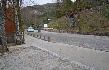 Caminho pedonal com piso Terraway para mobilidade reduzida e ForAll low